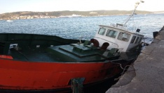 Lodos tekne batırdı