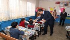 Başkan Asyadan okul ziyareti