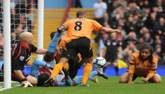 Wolverhampton Premier Lige göz kırpıyor