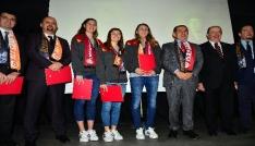 Galatasaray, başarılı voleybolculara Divan Başarı Beratı verdi