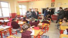 Beyşehirde ilkokul öğrencilerine flüt eğitim seti hediyesi