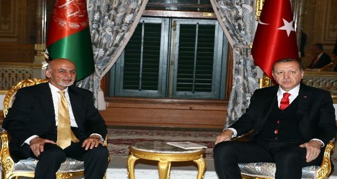 Cumhurbaşkanı Erdoğan, Afganistan Cumhurbaşkanı Gani ile bir araya geldi