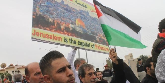 """ABD'nin Ürdün Büyükelçiliği önünde """"Kudüs"""" protestoları devam ediyor"""