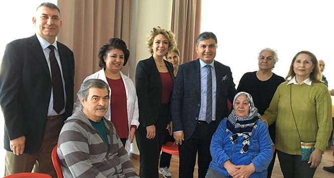 Türkiyenin ilk Yaş Alma Okulu açıldı, nineler diploma alacak