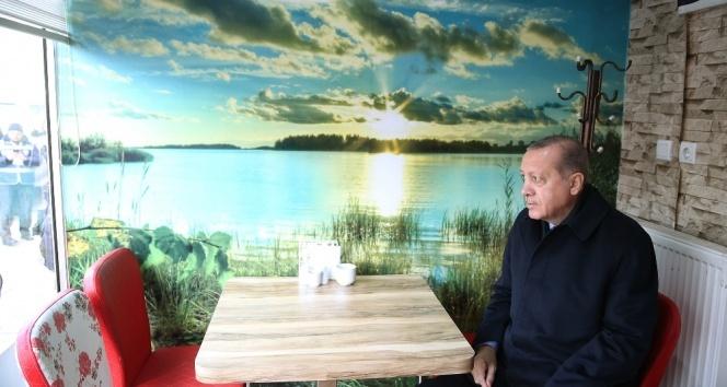 Cumhurbaşkanı Erdoğana Kastamonuda çay ikram edildi