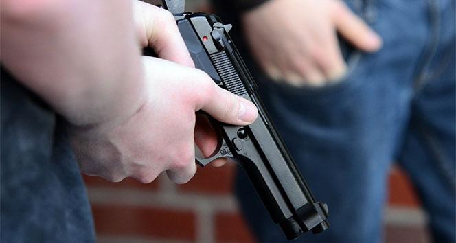 ABD'de saldırgan AR-15 yarı otomatik silah kullanmış