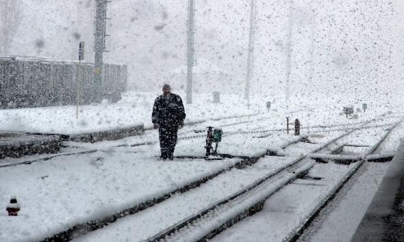 Tren garında muhteşem kar manzarası