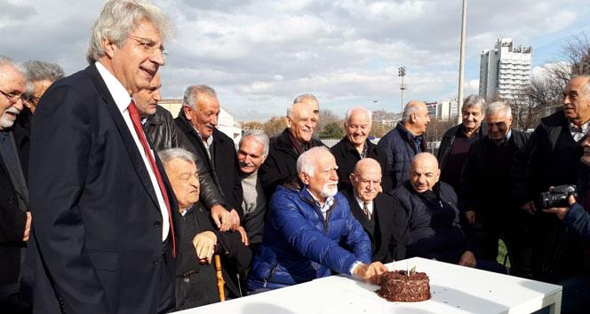 Türk futbolunun eski hakemleri Başkentte bir araya geldi