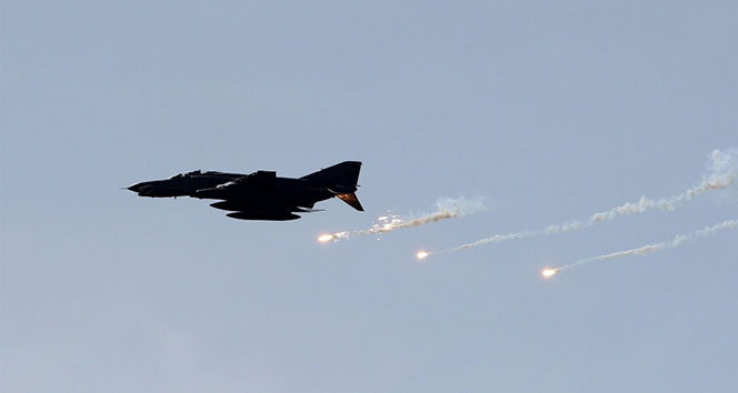 Rus savaş uçakları İdlib'te hastane bombaladı