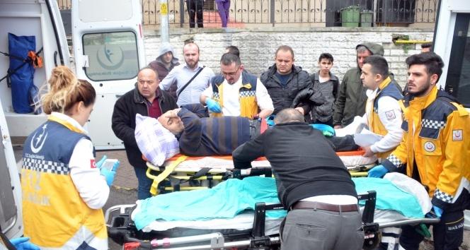 Hasta taşıyan ambulans trafik sıkışınca ters yöne girdi