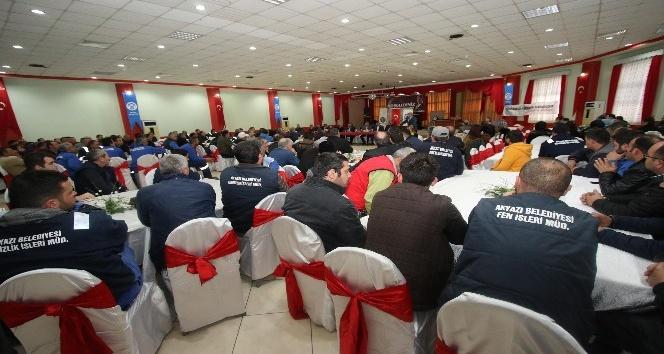Akyazı Belediyesi işçi toplantısı gerçekleştirildi