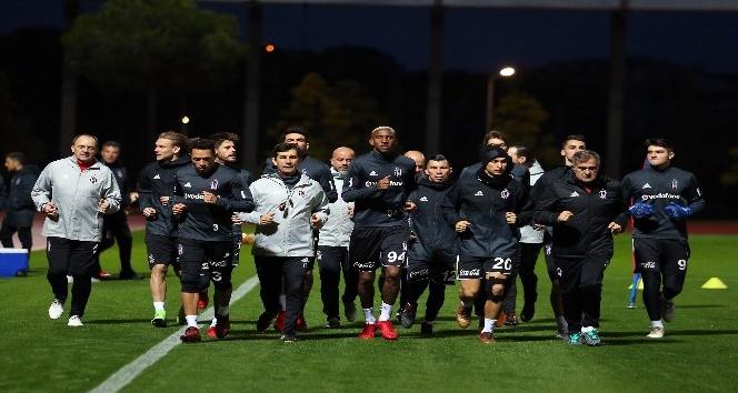 Vida, Beşiktaş ile ilk antrenmanına çıktı