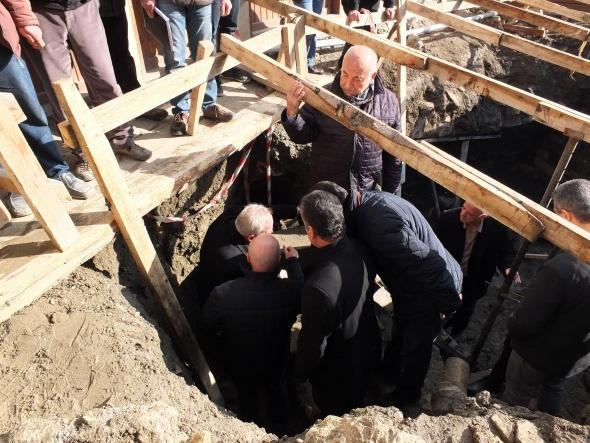 Tarihi yapı mezar odası çıktı