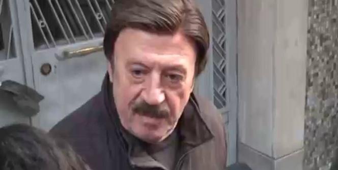 Ünlü sanatçılar Münir Özkul'un evine akın etti
