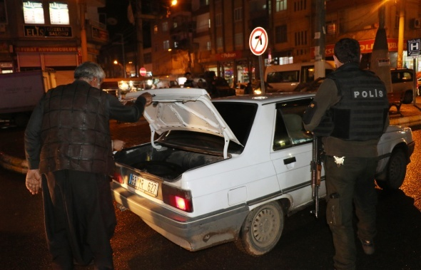 Diyarbakır'da 900 polisle hava destekli uygulama