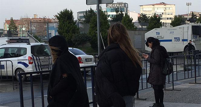 Oyuncu Feyza Civeleke polise mukavemet gözaltısı