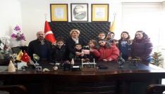 Özel öğrencilerden Artvin PTT Başmüdürü Gönül Kocamana ziyaret