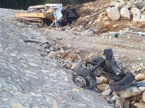 Beton pompası uçurumdan yuvarlandı: 1 ölü