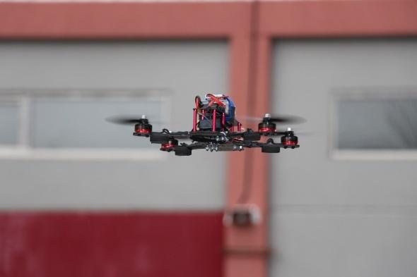 Öğrenciler, 85 kilometre hıza ulaşan hız dronu yaptı