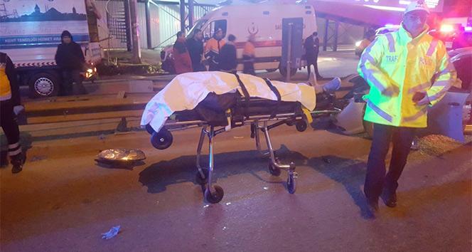 Pendikte feci kaza: 2 ölü 1 yaralı