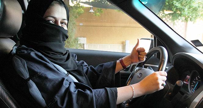 Suudi Arabistana kadınlar tek başına seyahat edebilecek