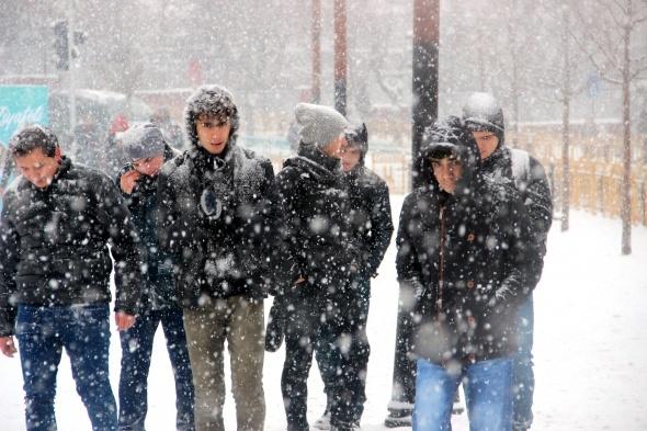 Doğu'da kar ve tipi! Her yer beyaz örtüyle kaplandı