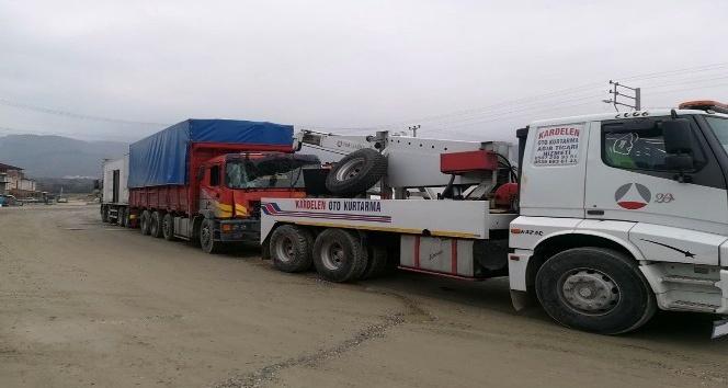 Tosya'da zincirleme kazada: 1 yaralı