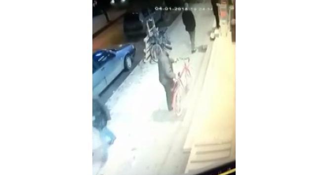 (Özel haber) - Market önündeki bisikleti çaldılar