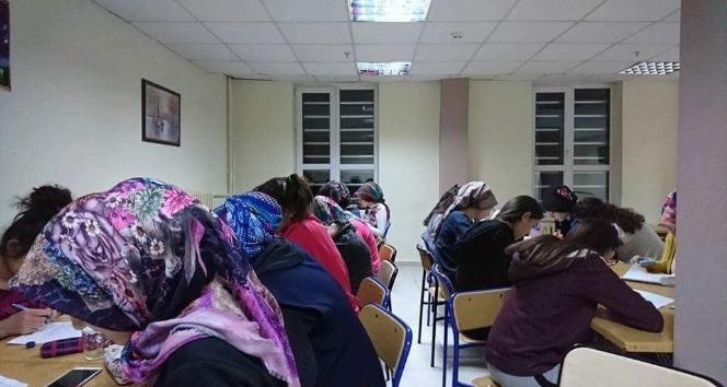 Lise öğrencilerine ilk yardım kursu