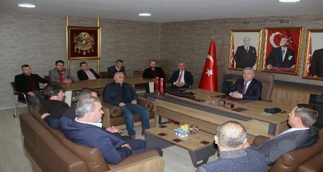Başkan Uysal'dan MHP ilçe teşkilatına nezaket ziyareti