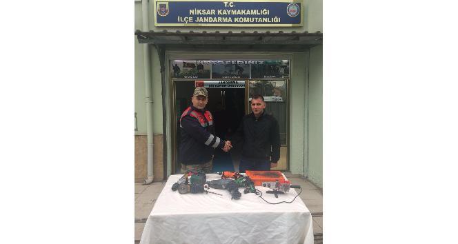 Hırsızlar jandarmanın takibi ile yakalandı