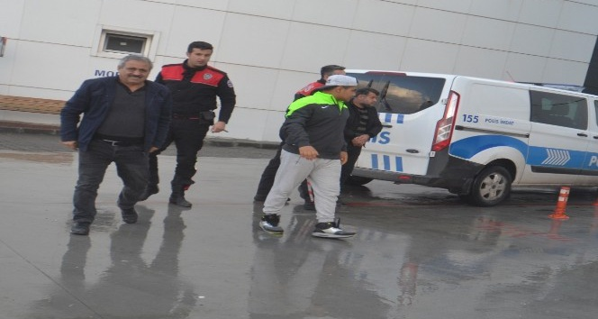 Aranan insan taciri Kuşadası'nda yakalandı