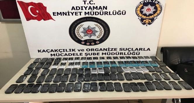 Adıyaman'da 102 adet kaçak telefon ele geçirildi
