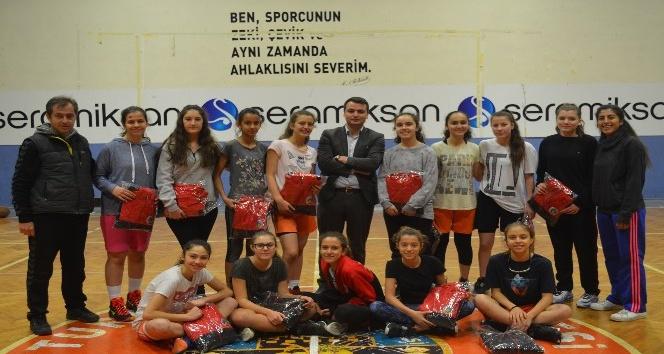 Başkan Şirin'den şampiyonlara jest