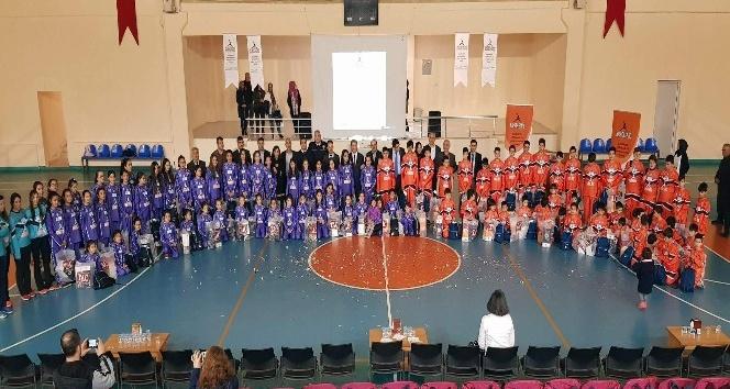 'Hayata Smaç' projesi 375 öğrenciyi ilk kez sporla tanıştırdı