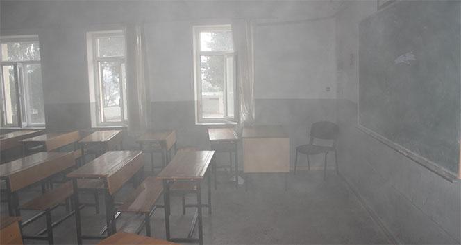 İlköğretim okulunda çıkan yangın korkuttu
