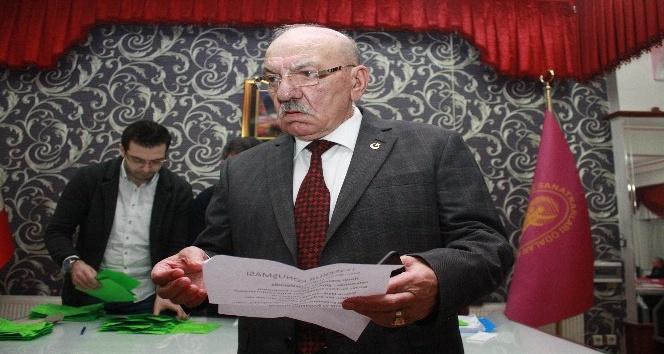 Tokatlı şoförler yeniden Başkan Yakar seçildi