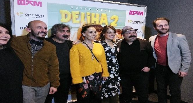 Deliha 2'nin İzmir galasına yoğun ilgi