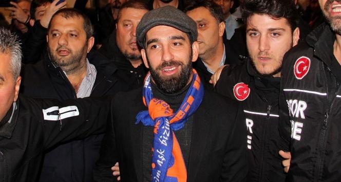 Arda Turan İstanbula geldi!