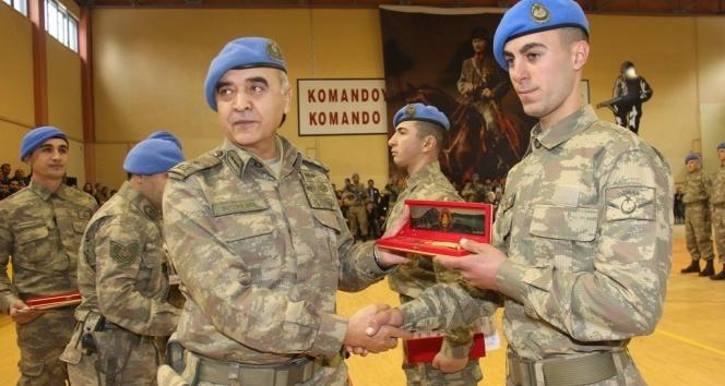 Komando eğitimini tamamlayan 154 uzman erbaş brövelerini taktı