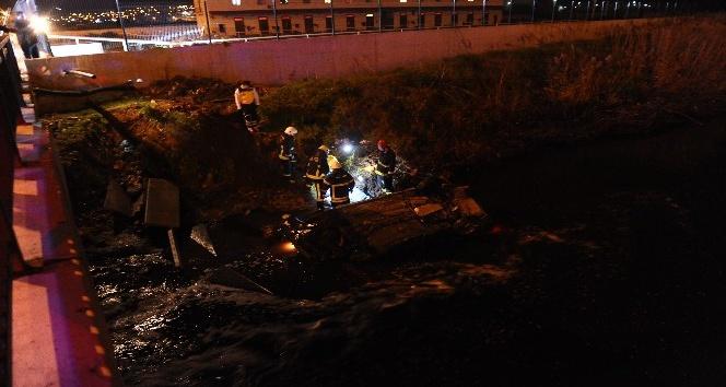 Bursa'da atık su kanalına uçan araçta bir kişi feci şekilde can verdi