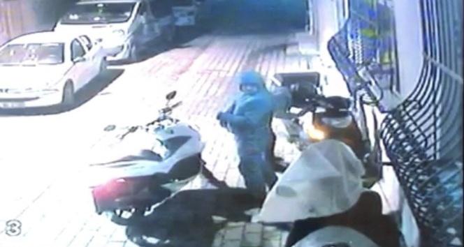 (Özel Haber) 20 bin liralık motosikleti 10 dakikada böyle çaldılar