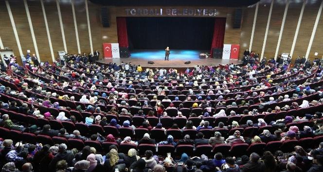 Hatipoğlu'dan Torbalı'da konferans