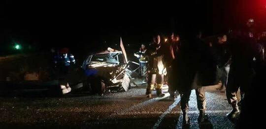 Develi'de 2 otomobil kafa kafaya çarpıştı: 4 yaralı