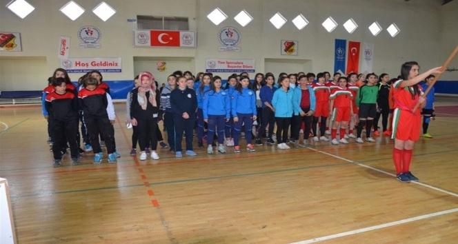 Gençler Futsal Yarı Final Müsabakaları başladı