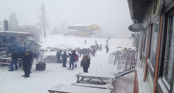 Kartepe'de kar yağışı yeniden başladı