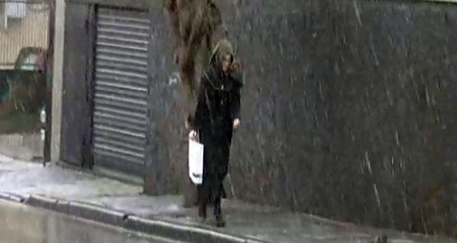 İstanbul'un yüksek kesimlerinde kar yağışı etkili oldu