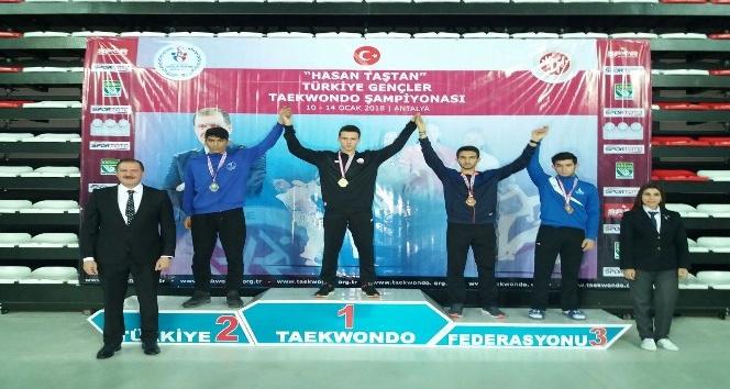 Tekvando şampiyonasına Şahinbey damgası