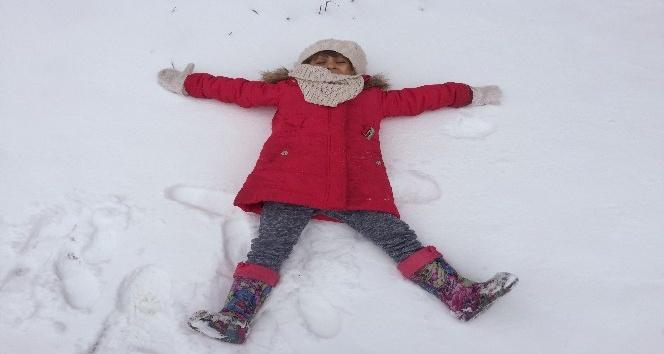 Gece başlayan kar yağışı ulaşımı zorlaştırıyor