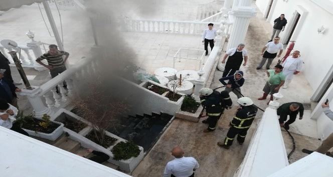 Restoran yangını korkuttu